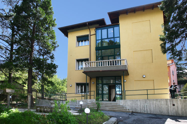 Montagna casa AR dating